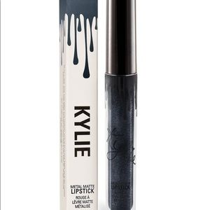 SALE‼️ Kylie Metal Matte Lipstick (Kymajesty)